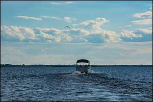 How to Minimize the Effects of Saltwater on a Pontoon Boat